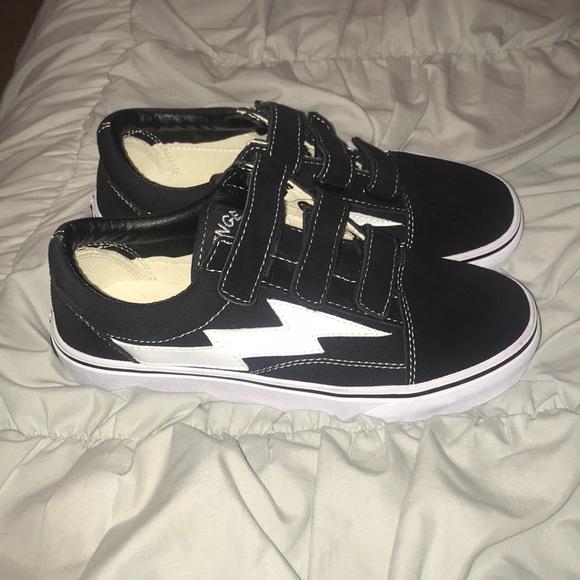 Revenge X Storm Black Velcro Sneakers